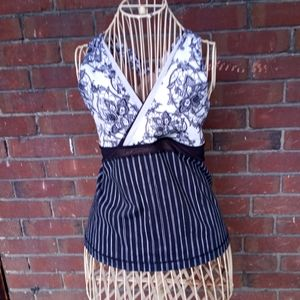 Lulu🍋 Deep V Neck Tank 🖤 Pinstripe and Floral 🖤